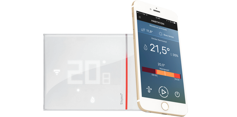 Image of the Smarther with Legrand application
